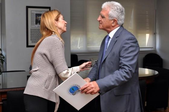 Abel Bomrad, presidente de ACARA, junto a Débora Giorgi.