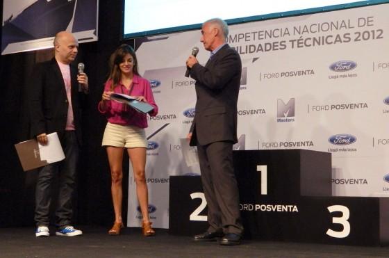 Hernán Galdeano, Director de Posventa de Ford Argentina, junto a Wainracih y Gauto.