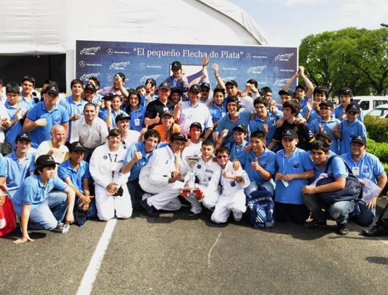 """La Escuela técnica Fundación Fangio de Mercedes-Benz ganó el """"Desafío Eco"""""""