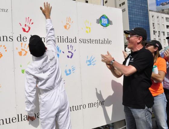 La Escuela técnica Fundación Fangio de Mercedes-Benz ganó el Desafío Eco