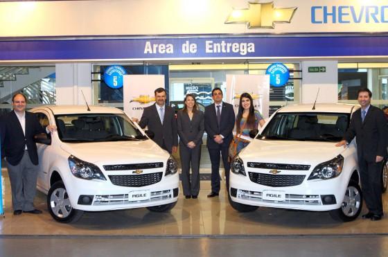 """UNICEF y GM Argentina entregaron los autos sorteados en """"Un Sol para los Chicos"""""""