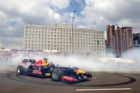 Un Fórmula 1 andará suelto por las calles de Buenos Aires (episodio II)