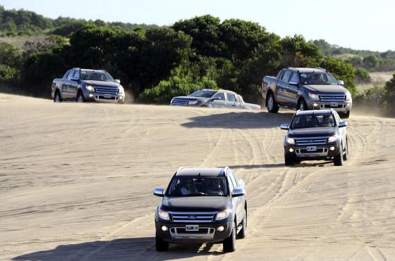 Verano 2013: Ford desafío los médanos de Pinamar con una nueva travesía nocturna