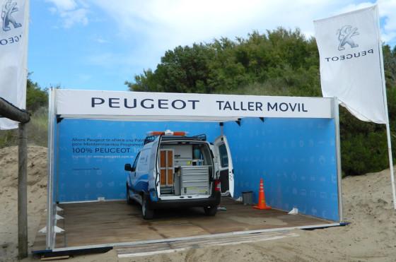 El taller móvil de Peugeot en Divisadero Club de Playa.