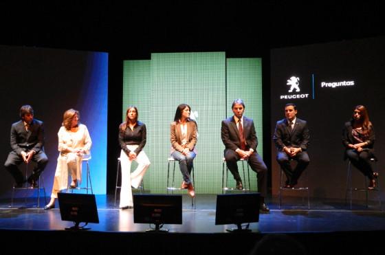 Los representantes de Peugeot y de las cinco organizaciones que forman parte de Imagination.
