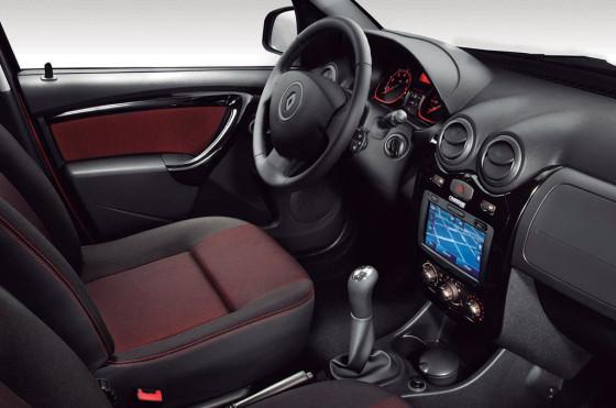 Renault lanzó MediaNav