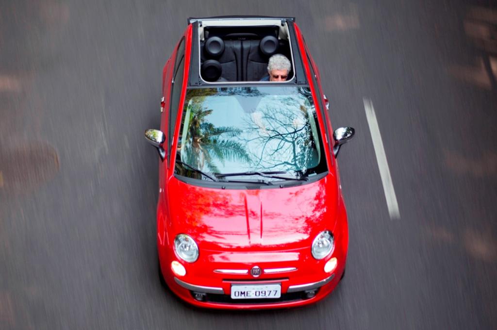 Argentina se lanza el nuevo fiat 500 cabrio a for Fiat idea 2013 precio argentina