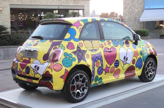Nik intervino autos de Fiat en el marco de Feria Arte Espacio.