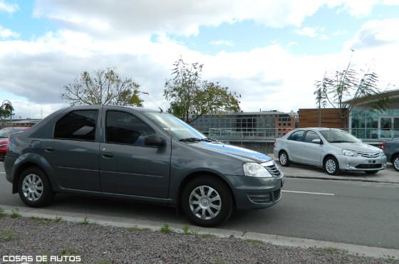 Renault Logan y Toyota Etios