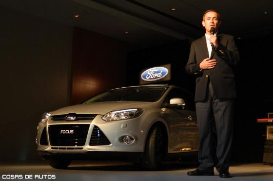 Alemañy junto al Nuevo Ford Focus