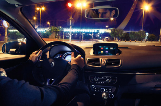 Argentina: el Renault Fluence suma el sistema multimedia R-Link