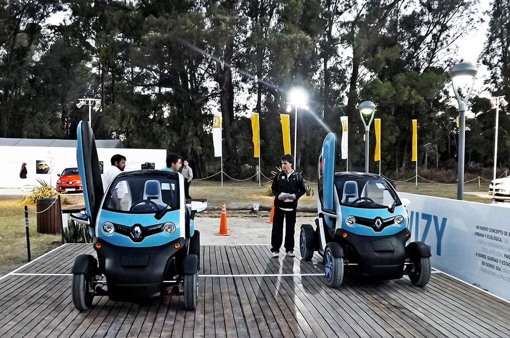 Verano 2014 Renault Est Presente En Pinamar Y Mar Del