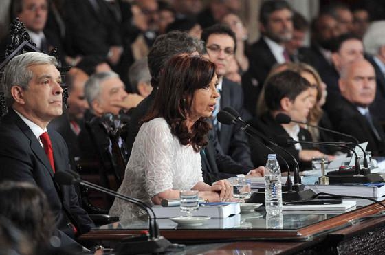Cristina Kirchner aseguró que las ventas de autos no cayeron a causa del impuestazo