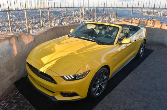Ford lo hizo otra vez: 50 años después, el Mustang volvió a la cima del Empire State