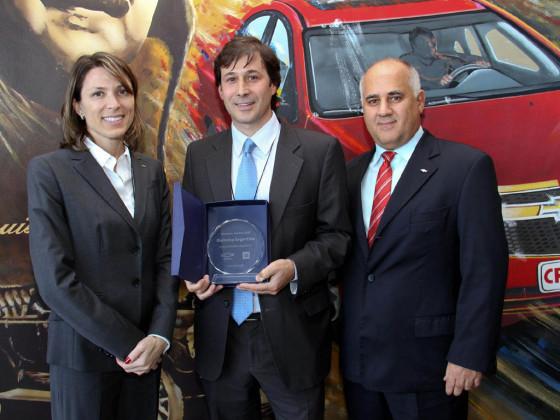 Isela Costantini y José Cammilleri le entregaron el premio a la firma Gestamp.
