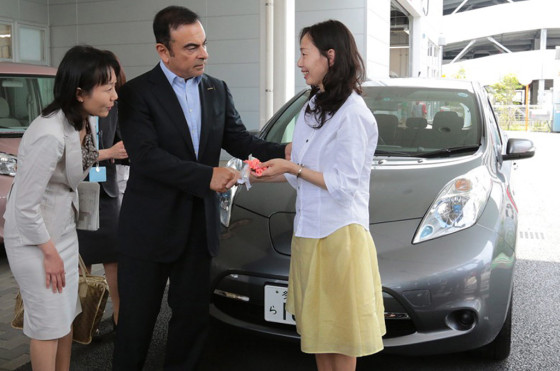 Ghosn en la inauguración del Nissan Ladies First en Tokio.