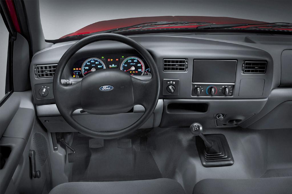 Ford lanza la nueva línea F-4000 en versiones 4×4 y 4×2 ...