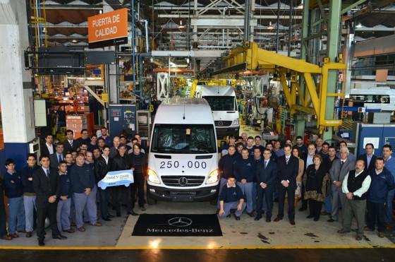 Mercedes-Benz celebró la producción de 250.000 unidades de Sprinter