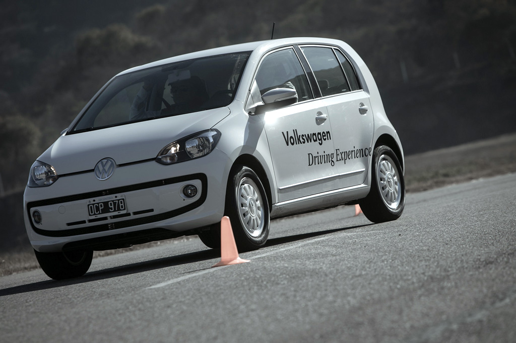 VW Argentina lanzó el Volkswagen Driving Experience 2014   Cosas de