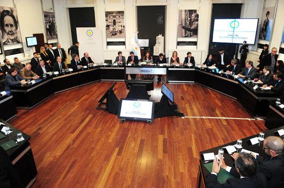 El gobierno se reunió con las automotrices y arrancan las negociaciones particulares