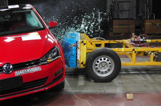 Según Latin NCAP, el VW Golf VII mexicano es el auto más seguro de América Latina