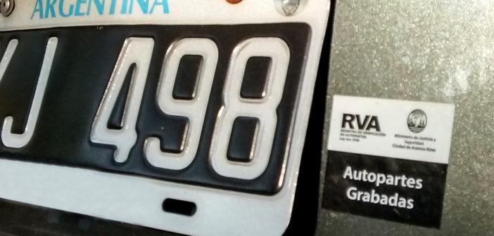 Los vehículos de más de 25 años quedan exceptuados del grabado de autopartes
