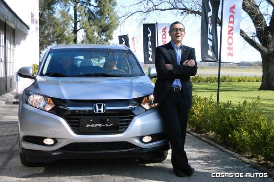Martín De Gaetani y su sonrisa junto al Honda-HR-V