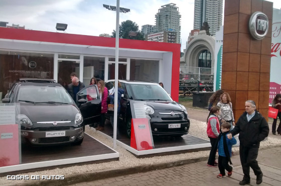 Fiat exhibe sus modelos en Strada, 500L y Punto en Palermo