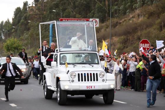 Papamóvil Ecuador 2: un Jeep Wrangler Sport