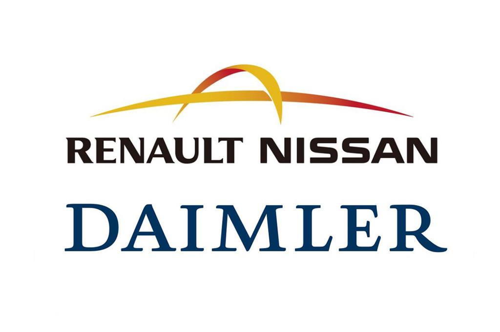 Dieter Zetsche, CEO de Daimler AG, y Carlos Ghosn, CEO de la Alianza Renault-Nissan