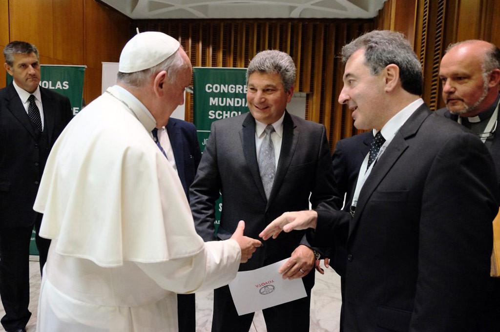 Papa Francisco junto a St. Angelo y Herrero