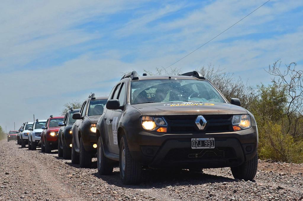 Renault llevó a cabo su Cuarta Travesía Eco-Solidaria en Mendoza