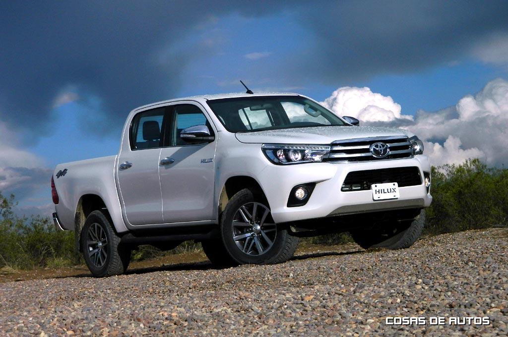 Argentina Toyota Present 243 La Nueva Hilux En 12 Versiones