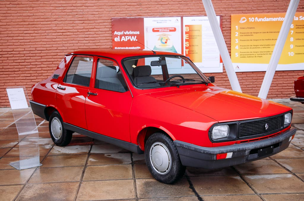 Renault 12 Staisabel on autos