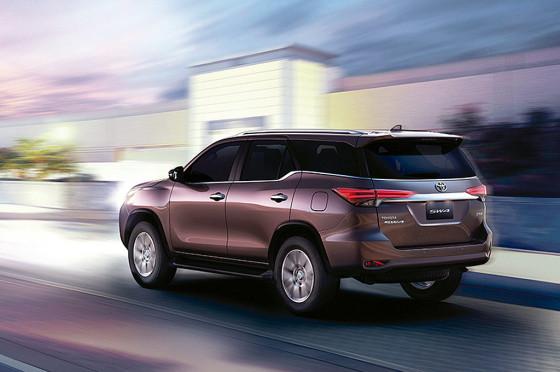 Nueva Toyota SW4 2016