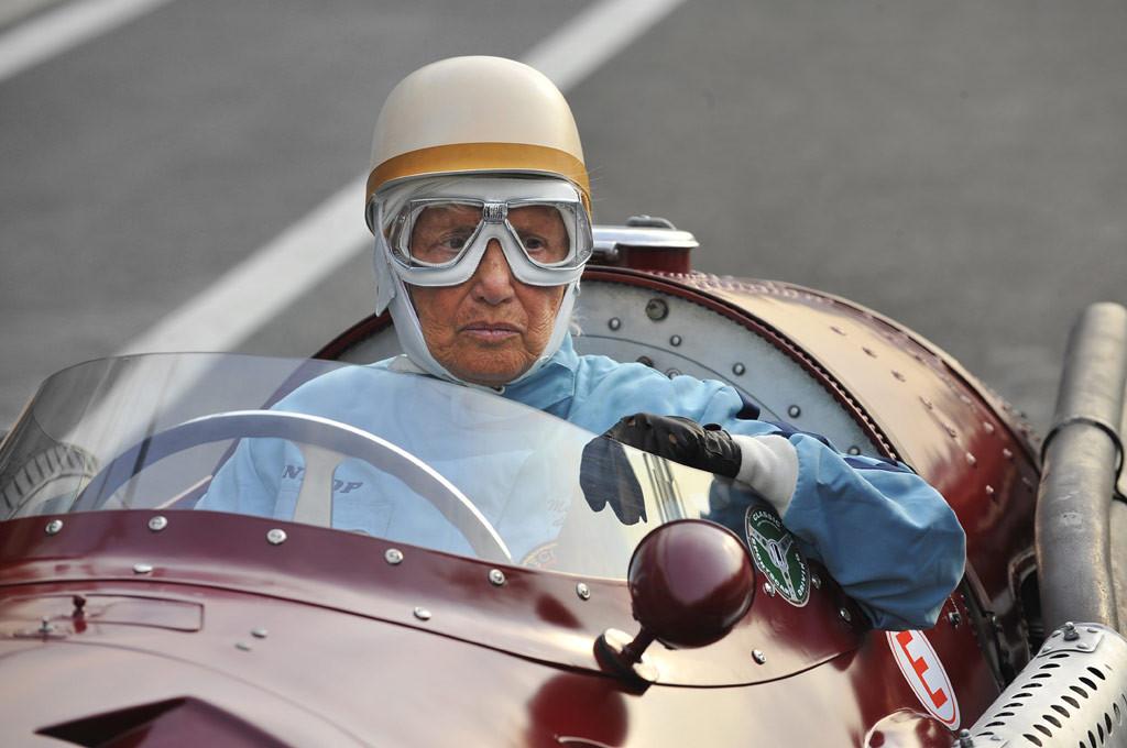 De Filippis al volante a los 88 años.