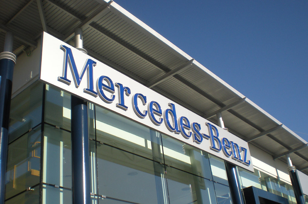 Mercedes-Benz inauguró su nuevo concesionario para Chubut y Santa Cruz
