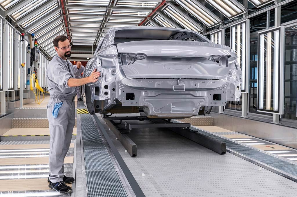 Audi inauguró un nuevo taller de pintura en Ingolstadt