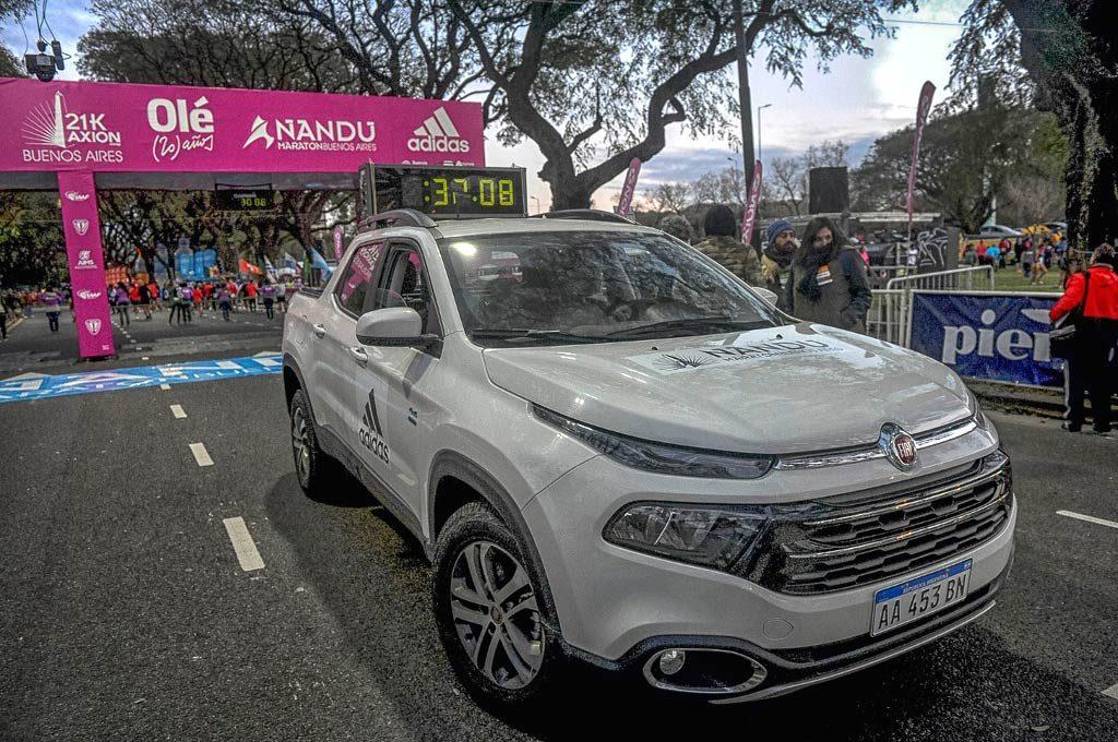 Fiat Toro acompañó los 21 km de Buenos Aires