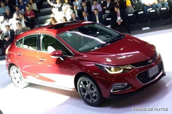 Nuevo Cruze Hatchback