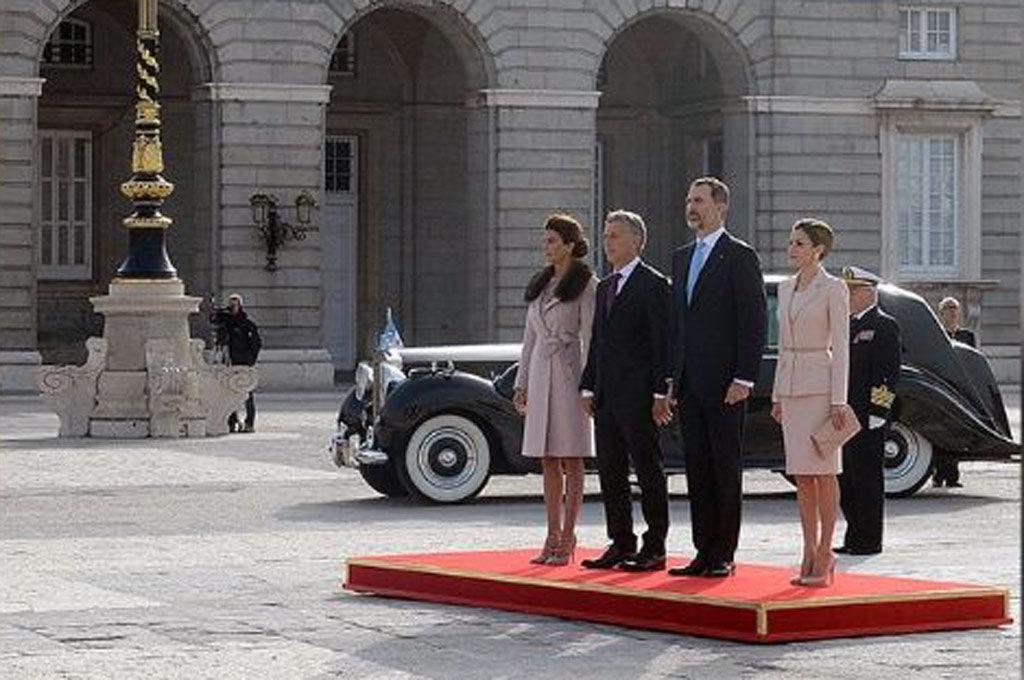 Macri en el Rolls-Royce de la realeza española