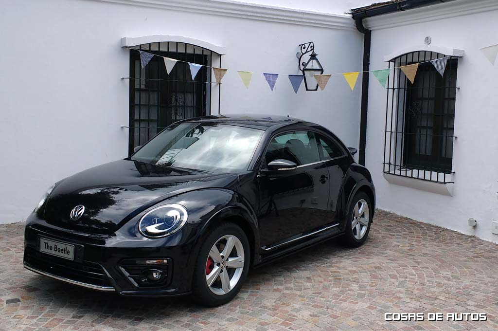 vw lanz el renovado beetle del que espera vender 500. Black Bedroom Furniture Sets. Home Design Ideas