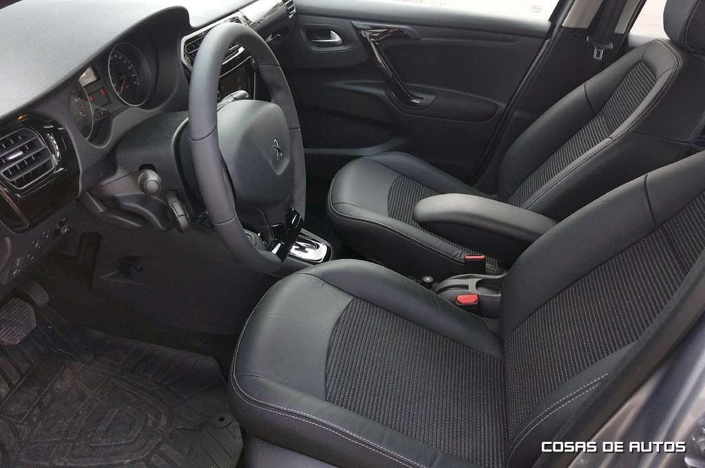 Test Peugeot 301 - Foto: Cosas de Autos