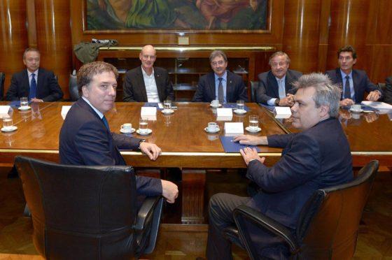 Dujovne junto a representantes de ADEFA