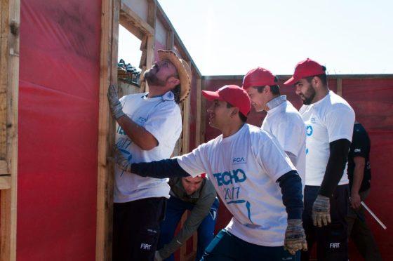 FCA construyó nuevas casas en Córdoba junto a la ONG Techo