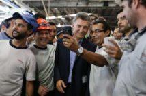 El presidente Macri en su visita a Toyota