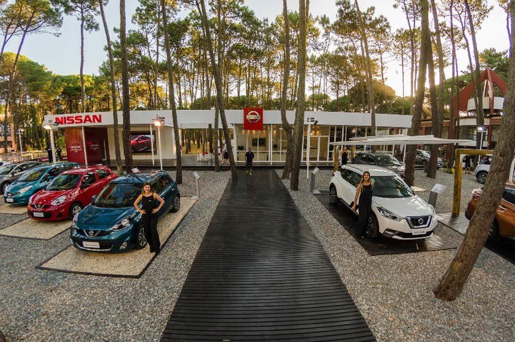 stand de Nissan en Cariló