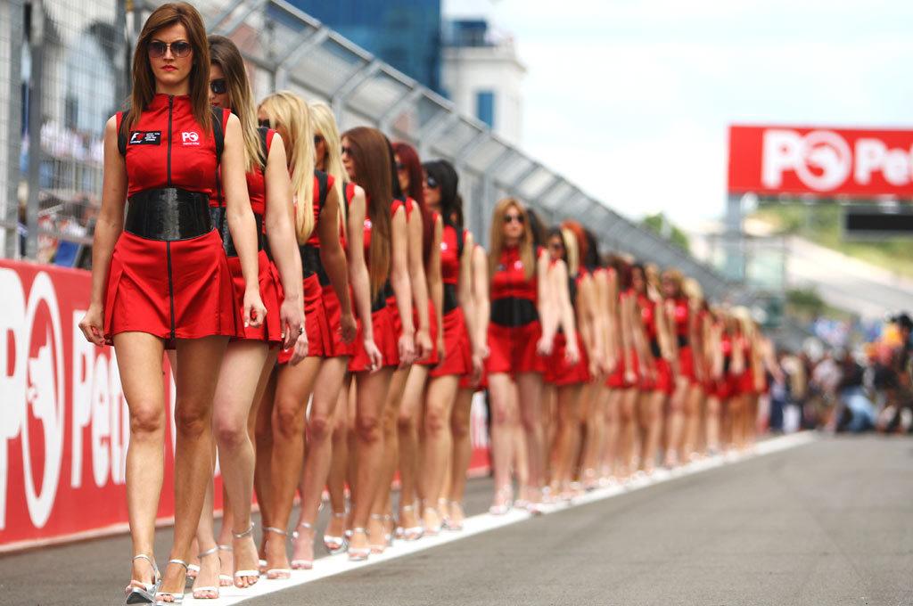 Grid girls en GP de Turquía 2008