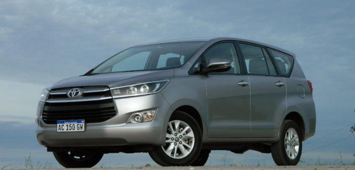 #Test: Cosas de Autos probó la Toyota Innova SRV