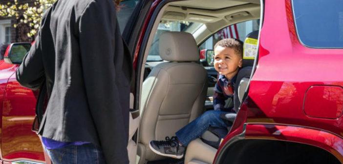 La tecnología que ayuda a evitar olvidar niños u objetos al bajar del auto ya está en Argentina
